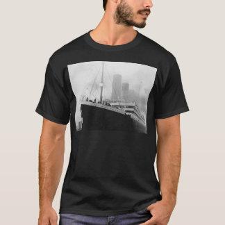 Titanic in dock in Southampton T-Shirt