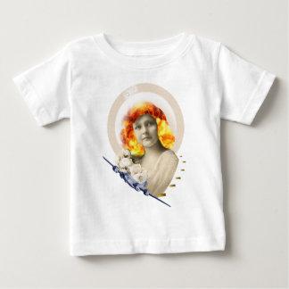 to war baby T-Shirt