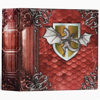 Tome antique d'échelle rouge assez rustique de classeurs 3 anneaux