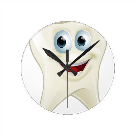 Tooth man round clock