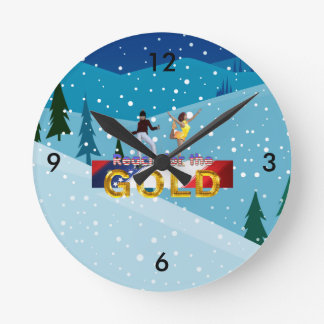 TOP Reach for the Gold Round Clock