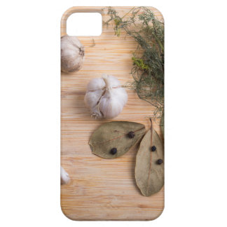 Top view of the garlic and dried spices case for the iPhone 5