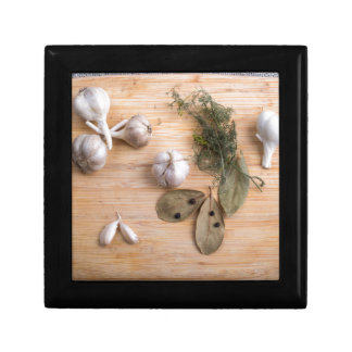 Top view of the garlic and dried spices gift box