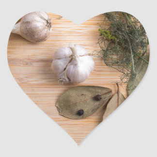 Top view of the garlic and dried spices heart sticker