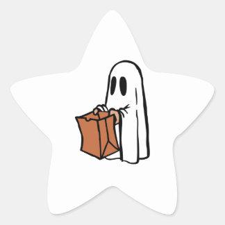 Tour ou Treater habillé comme fantôme avec le sac Autocollants En Étoile