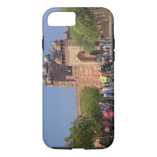Tourists in front of Fatehpur Sikri, in the iPhone 7 Case