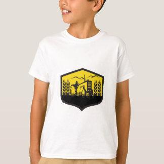 Tractor Harvesting Wheat Farm Crest Retro T-Shirt