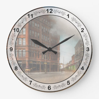 Train - Respect the train 1905 Large Clock