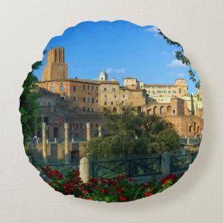 Trajan's forum, Traiani, Roma, Italy Round Pillow