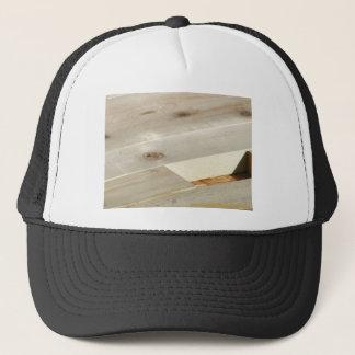 travaux en bois casquette