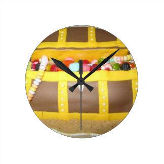 Treasure chest cake round clock
