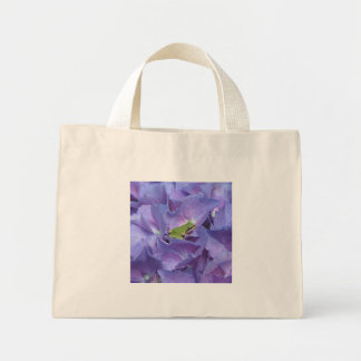 Tree Frog on Hydrangea Tote Bag