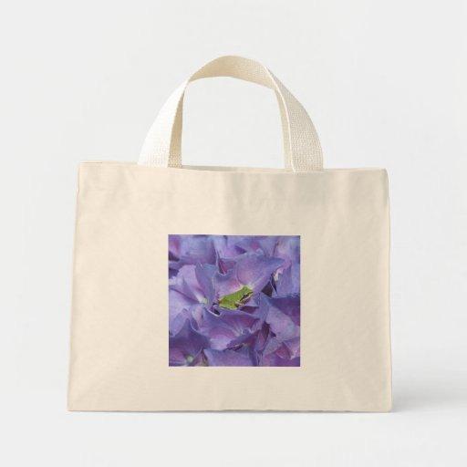 Tree Frog on Hydrangea Tote Bag