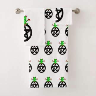 Tree Frog On Top Of Pentacle Bathroom Towel Set