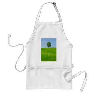 Tree in  a field standard apron