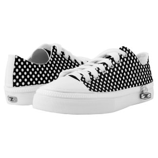 Trendy Black and White polka dots pattern