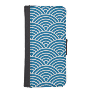 Trendy Blue and White Art Deco Seigaiha Scallops iPhone SE/5/5s Wallet Case