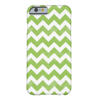 Trendy Distressed Worn Green White Chevron Pattern Barely There iPhone 6 Case