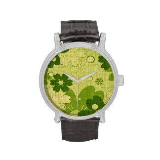 Trendy Green Floral Vintage Wristwatch