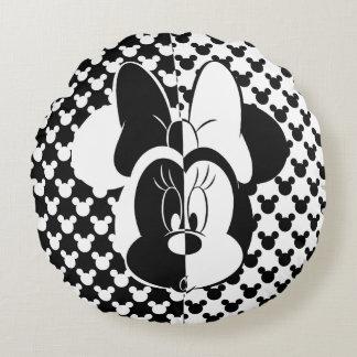 Trendy Minnie | Black & White Modern Round Pillow