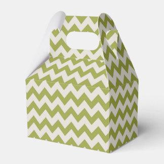 Trendy Zigzag Chevron Pattern In Leaf Green Favor Box