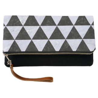 TRIANGLE3 BLACK MARBLE & WHITE MARBLE CLUTCH