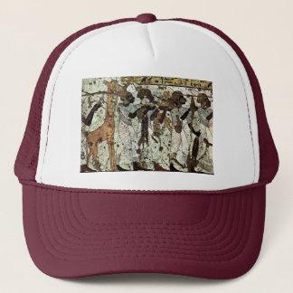 Tributbringende Africans By Maler Der Grabkammer D Trucker Hat
