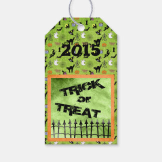 """Trick or Treat"" Halloween on Green Pack Of Gift Tags"