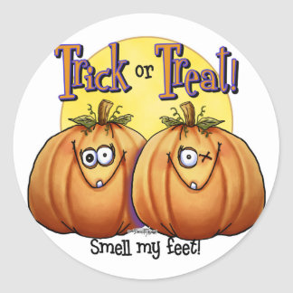 Trick or treat Smell my Feet Classic Round Sticker