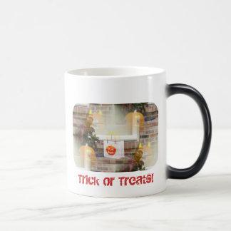 Trick or Treats Eerie Illusionary Pumpkins & Bag Mug