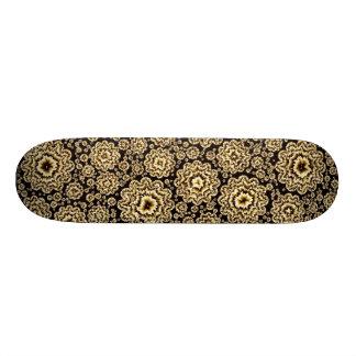 trippy floral golden (C) Skateboard