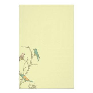 Trois oiseaux parlant le ~ stationnaire/en-tête de motifs pour papier à lettre