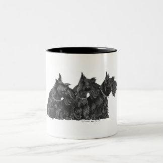 Trois terriers écossais curieux mug