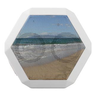 Tropical Beach in Maui Hawaii in Maui Hawaii White Bluetooth Speaker