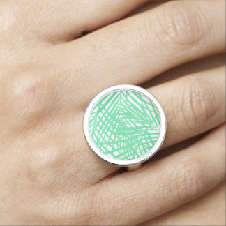 Tropical flat green leaves ring