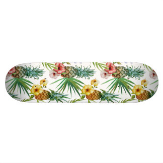 Tropical hawaii theme watercolor pineapple pattern skateboard