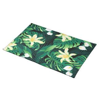 Tropical lush floral placemat