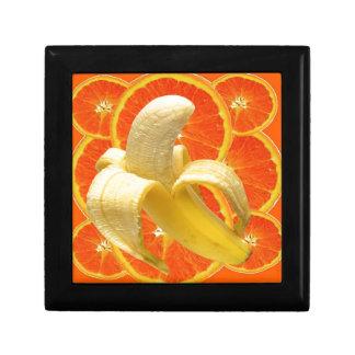 TROPICAL PEELED BANANA & JUICY ORANGE SLICES GIFT BOX