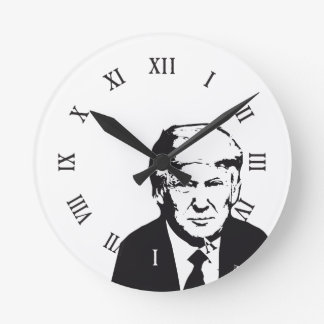 Trump Art Nouveau Che Style With roman numbers Round Clock