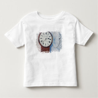 Trunk dial clock, London, 1850 Tshirt