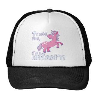 trust me i´m a unicorn trucker hat