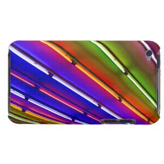 Tubes au néon colorés à l'entrée de magasin étui barely there iPod
