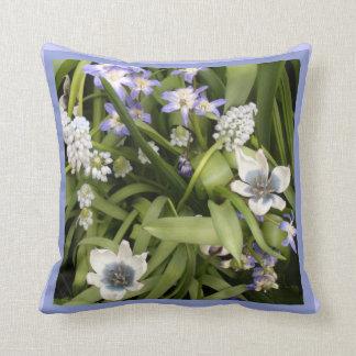 Tulipes blanches bleues néerlandaises oreillers