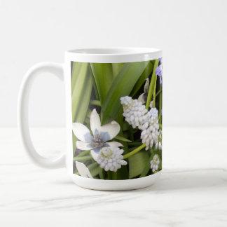 Tulipes blanches bleues néerlandaises mugs