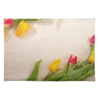 Tulipes, rose, rouge, belles fleurs jaunes set de table