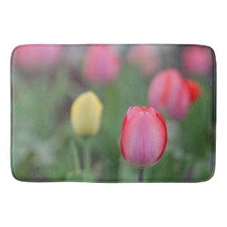 Tulipes roses tapis de bain
