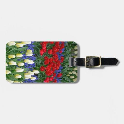 Tulipes rouges et blanches de ressort étiquette de bagages