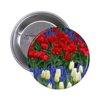 Tulipes rouges et blanches de ressort badge avec épingle