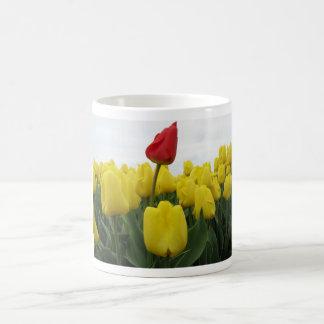 Tulipes rouges jaunes mugs