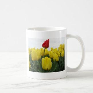 Tulipes rouges jaunes mug